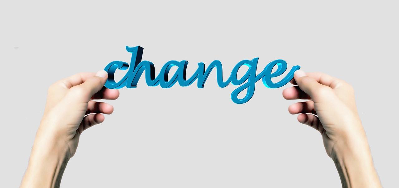 つみたてNISA口座をSBI証券から楽天証券に移管完了 変更理由や手間について解説
